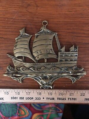 Nautical Brass Wall Hanger. Has 6 Rings For Holding Your Guess Is Good As Mine😁