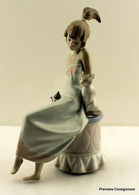 Lladro Figurine 5443 Bedtime, Girl in Nightgown with two cats