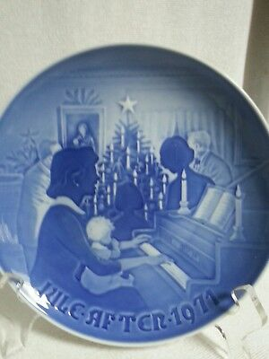 Royal Copenhagen Christmas at Home 1971 B & G Collector's Plate 8000/9071 Vtg
