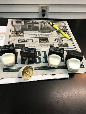 Four Kenmore Stove Switches And Knobs 316436000 Used