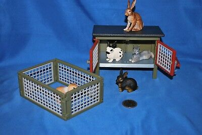 Schleich Bunny Lot, Hutch, Pen, 5 Rabbits in Very Good Used Condition
