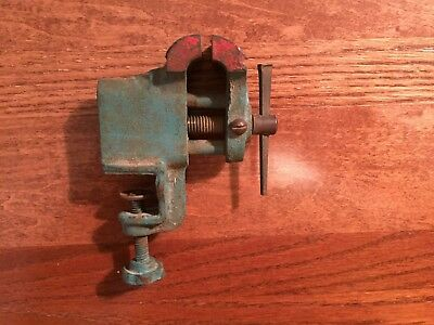 Vintage / antique mini bench clamp small vise