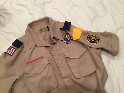 GREAT Men's Small BOY Cub SCOUTS  Beige Uniform Shirt NCAC Gold patch