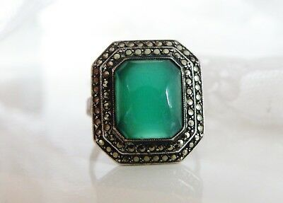 Vintage Art Deco Sterling Silver 925 Green Chrysoprase Marcasite Ring Size 7.5