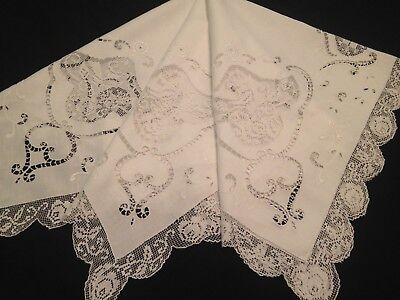 VINTAGE HAND EMBROIDERED TABLECLOTH ~ EXQUISITE FILET LACE BIRDS And CUT WORK