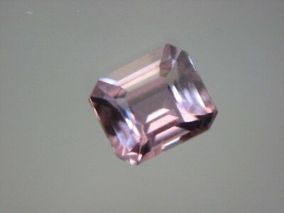 SPINELL  -  OCTAGON CUT  -  3,5x3 mm  -  0,22 ct.