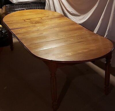 Vintage Oak Dining Room Table with leaves and 4 chairs