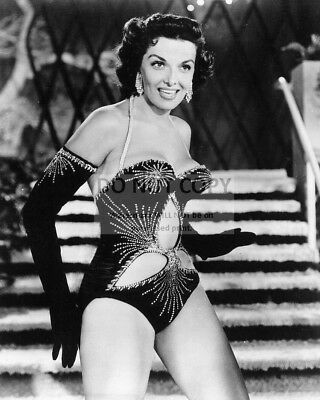 """Jane Russell In The 1953 Film """"The French Line"""" - 8X10 Publicity Photo (Da-291)"""