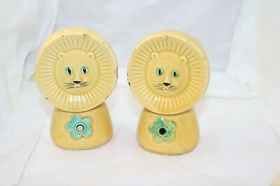 VTG Salt & Pepper shaker set lion 3.75 inches rough spots Estate Sale Pickin!