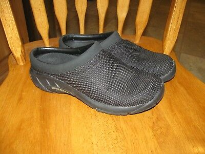 Womans Merrell shoes size 7