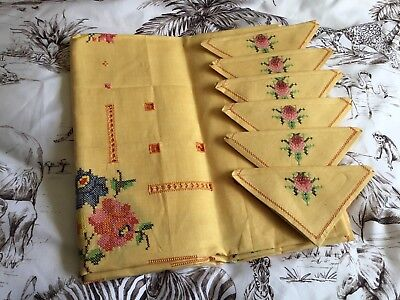 UNUSED VINTAGE Retro ORANGE COTTON Embroidered TABLECLOTH & NAPKINS