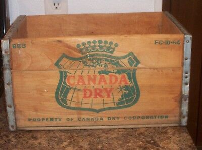 """Vintage 1964  """" Canada Dry """" Wooden  Crate"""