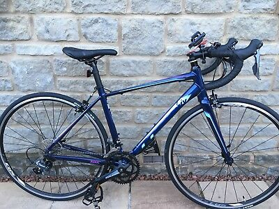 fc2d28ee920 GIANT LIV AVAIL 2 Ladies Road Bike, Size Small - Virtually New ...