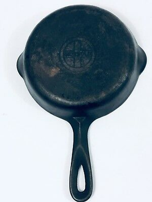 """VINTAGE GRISWOLD CAST IRON NO. 3 7"""" SKILLET SMALL LOGO  709 Erie PA"""