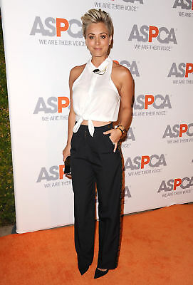 Kaley Cuoco With White Shirt And Black Pants 8x10 Photo Print