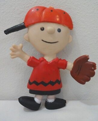 Vintage CHARLIE BROWN ©United Features Syndicate 1969 Bendable Figure RED HAT!
