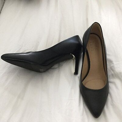 Naturalizer Court - Size 9 - Leather