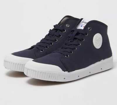 New Spring Court French Navy Unisex Sneakers Sz 41 rrp $185
