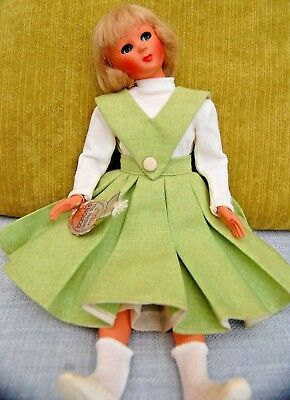 VINTAGE BONOMI JENNY DOLL! Rare and hard to find Beautiful Italian doll 13 inch