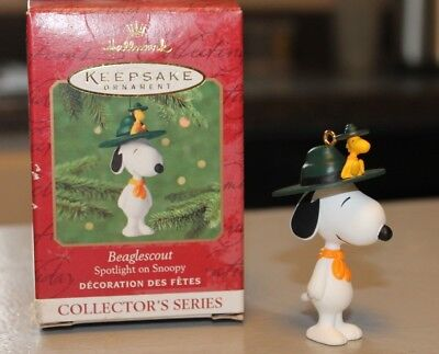 2001  HALLMARK ORNAMENT( SNOOPY) BEAGLE SCOUT - Free Shipping