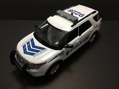 1/18 Puerto Rico STATE POLICE K-9 FORD EXPLORER. NON LIGHTS. NEW !