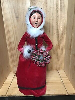 Byers Choice Carolers Woman w Wreath Red White Outfit on Stand Signed