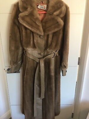 Vintage Unique Stand-out From The Crowd Faux Fur Coat Beige Size 8-10