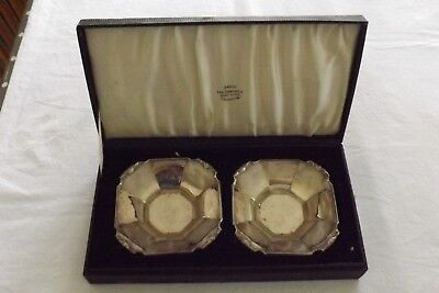 CASED PAIR SOLID SILVER BON BON DISHES 127gr HONG KONG JEWELLERS LANE CRAWFORD
