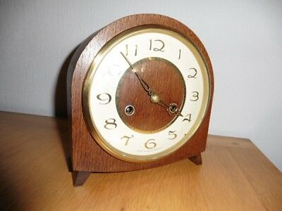 VINTAGE 1950s OAK CASE SMITHS ENFIELD 8 DAY MANTLE CLOCK WITH GONG STRIKE