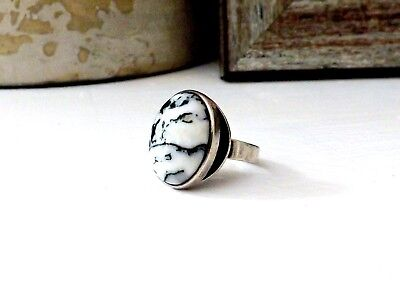 Navajo Sterling Silver Southwestern Native American H White Stone Size 6 Ring