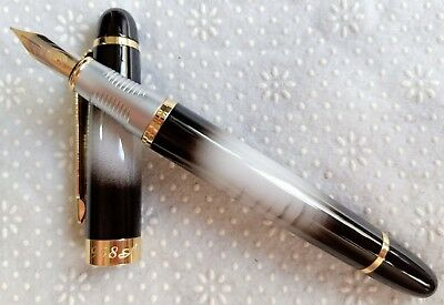 LuoShi High-grade Black-White Marble Material 22KGP 0.7mm Nib Fountain Pen #958