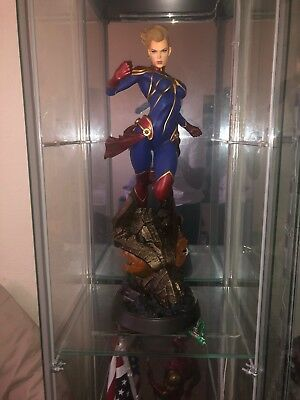 Sideshow Collectibles Captain Marvel Statue