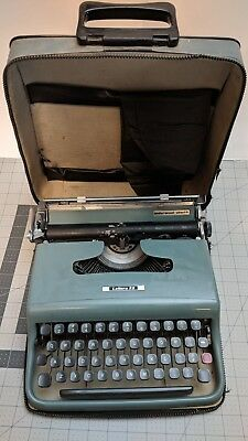 Portable Underwood Olivetti Lettera 22 Vintage Typewriter Italy case dust cover
