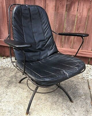 Mid Century Modern Wrought Iron Black Swivel/Rocker Patio Chair Vinyl Vintage