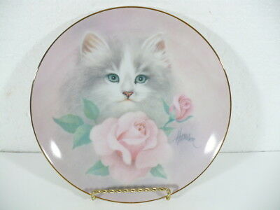 "Hamilton Kitten in BLUSHING BEAUTIES by Bob Harrison '88 collectors 8-1/2"" plate"