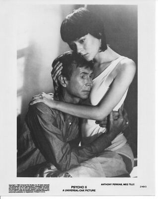 PSYCHO 2 / ANTHONY PERKINS / MEG TILLY / 2 x 10x8 PRESS PHOTO'S ORIGINAL