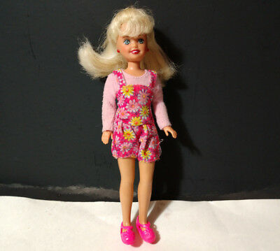 Mattel Barbie doll 90s little sister doll Stacie blonde hair in pink shoes
