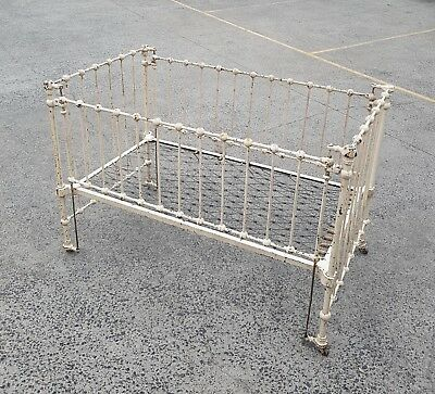 Edwardian antique cast/wrought iron cot or day bed.