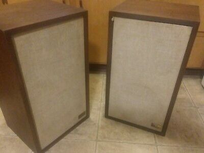 Vintage Pair of AR 2ax Speakers Excellent working condition Beautiful