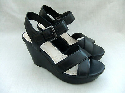 0b1bf7568ad New Clarks Scent Sky Womens Black Leather Platform Sandals Size 6   39.5
