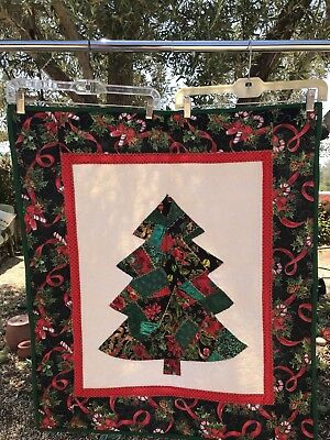 Machine Stitched Patchwork Christmas Tree Quilt Wall Hanging 30x34 Green Red