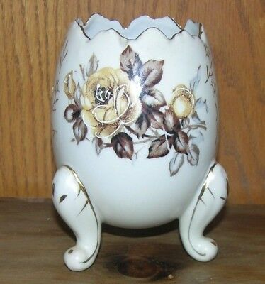 """Vintage 1950's 5"""" Porcelain Cracked Egg Footed Roses Aruco Fine Quality Dallas"""