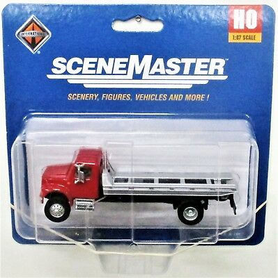 HO Scale Walthers SceneMaster 949-11591 International 4900 Roll-Off Flatbed
