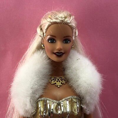 Barbie 2000 HOLIDAY CELEBRATION Blonde GG Face Doll w Gold Lame Dress Gown B20