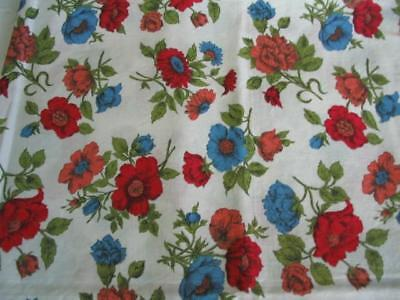 """VINTAGE COTTAGE CHARM * Antique QUILTING FABRIC Red POPPIES Floral 35"""" Selvedge"""