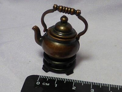 1:12 Scale Dark Kettle on Trivet Dolls House Miniature Kitchen Accessory