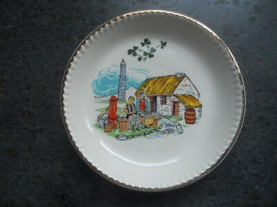 "Carrigaline Pottery Cork Ireland 4 5/8"" Souvenir Plate Mother/Daughter Scene"
