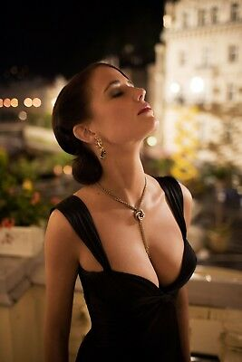 Eva Green With Eyes Closed Looking Up 8x10 Photo Print