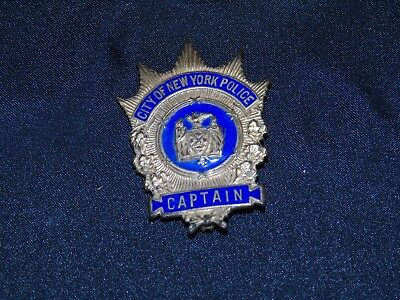 Vintage City of New York Police Captain Badge Pin Pre-Owned Very Good Condition