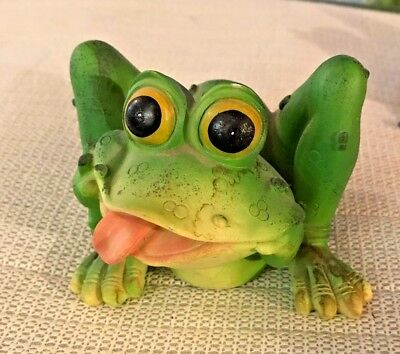 Neat Frog Making A Silly Face